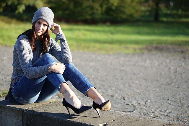 TheGoldenKitz_Zara-Grey-Knit-Sweater_1