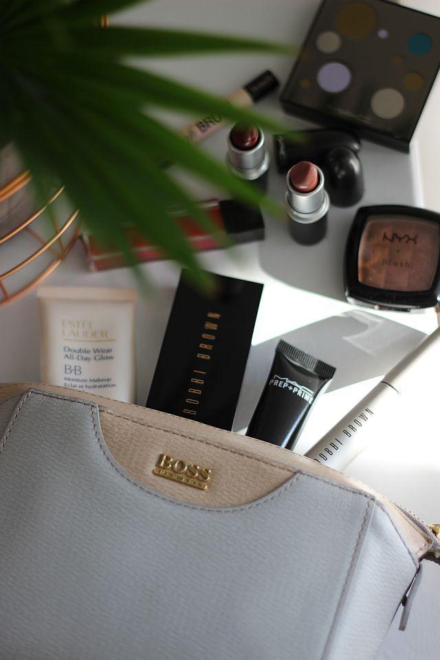 TheGoldenKitz_Whats-in-my-make-up-bag_41