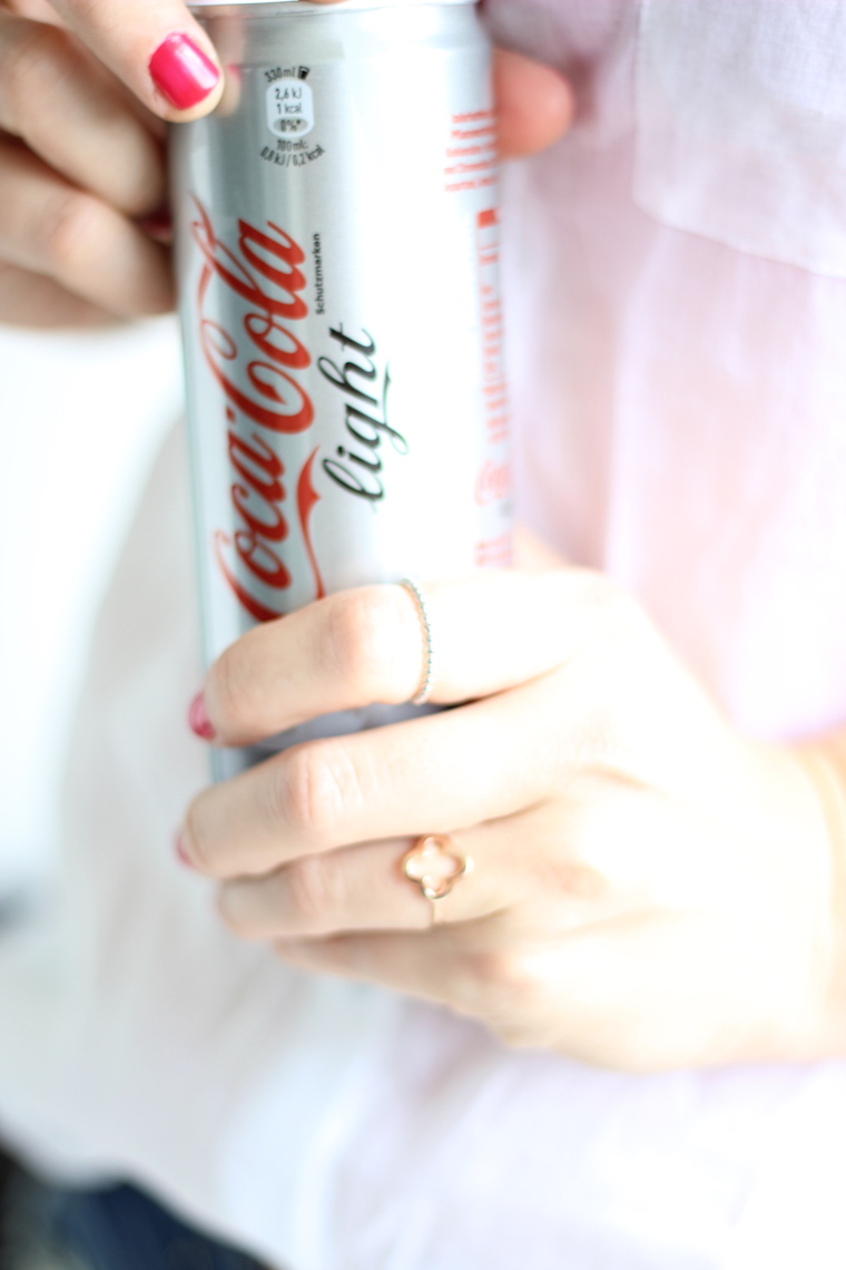Coke Light Knuckle Dainty Rings Room Nine Bonn_4
