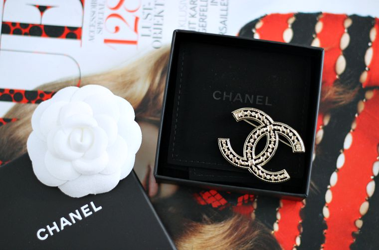 Modeblog Köln kölnbloggt Fashion Blog Chanel Brosche CC_1